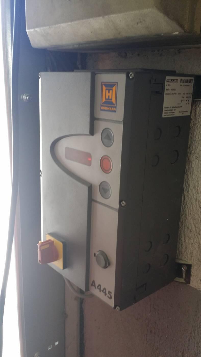 Porte sectionnelle industrie h rmann vente et for Commande porte de garage hormann
